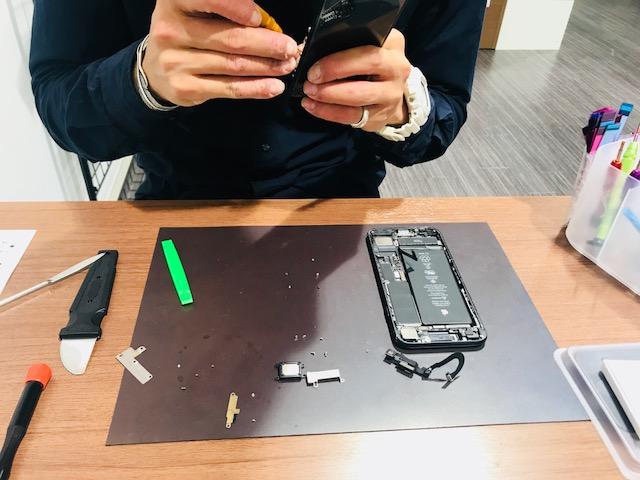 【修理速報 機種:IPHONE7+コーティング 豊中市からのご来店】こんなにバキバキでも大丈夫ですか?💦💦破損状況は酷かったですが大丈夫です!!スマートクールイオンモール伊丹店ならお客様がお買い物中に修理させて頂きます!!一石二鳥ですね♪TEL:072-767-1011