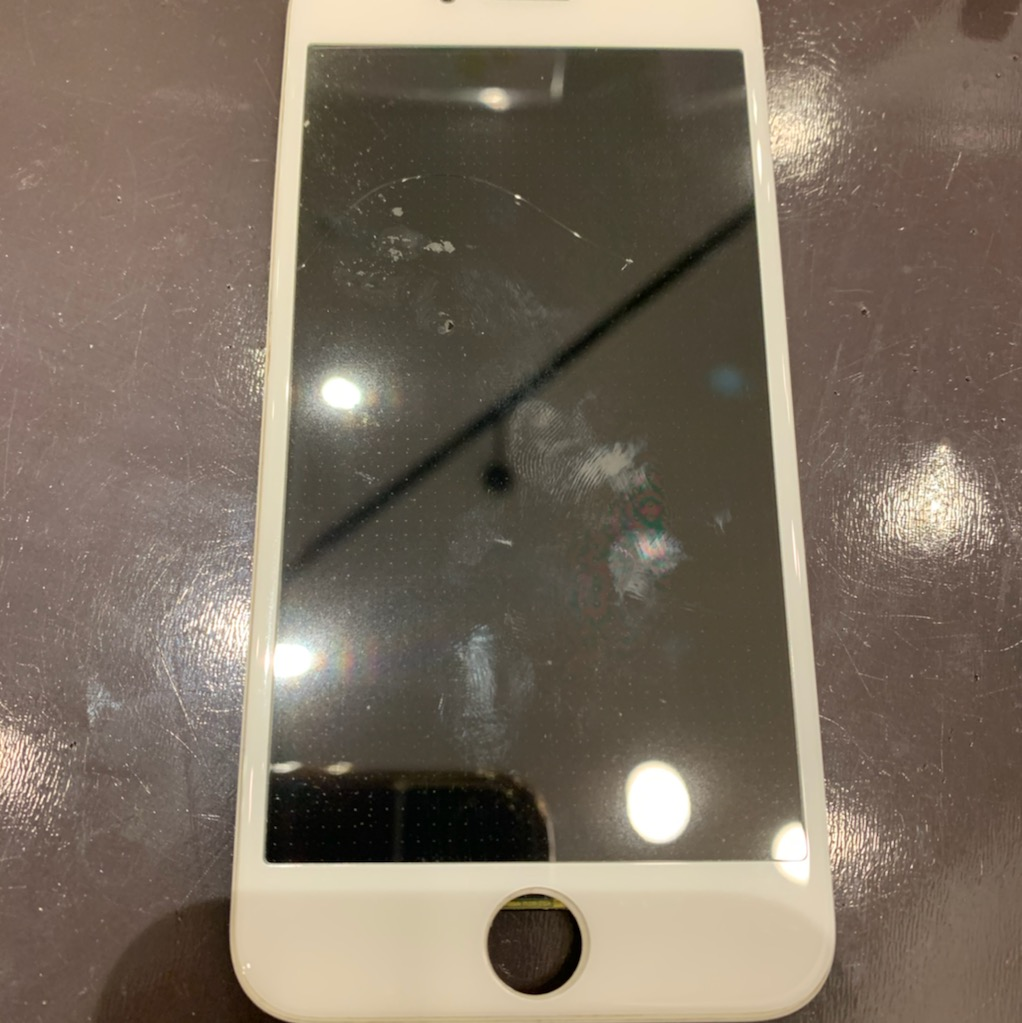 【iPhone修理尼崎】割れナシのタッチ反応なしは画面修理だけでで99.9%改善!!最短約30分でデータそのままでお修理完了!