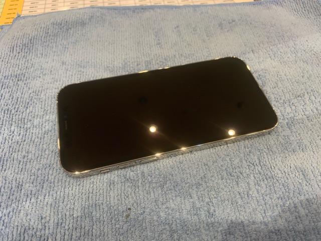 iPhone12pro ガラスコーティング 宝塚市からお越しのお客様 m