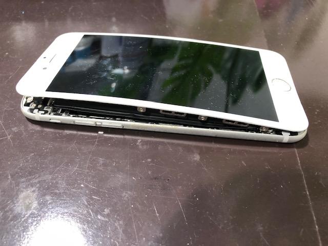 今お使いの端末のバッテリー膨張していませんか? iPhone6 バッテリー交換 伊丹市よりお越しのお客様 s