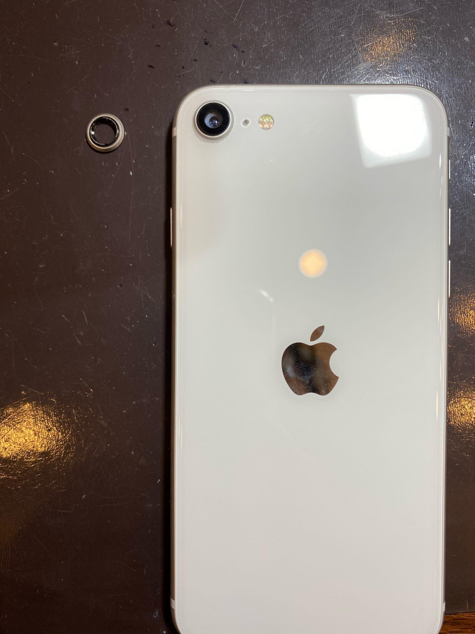 iPhoneSE(第二世代) カメラレンズ修理|伊丹市よりご来店 So