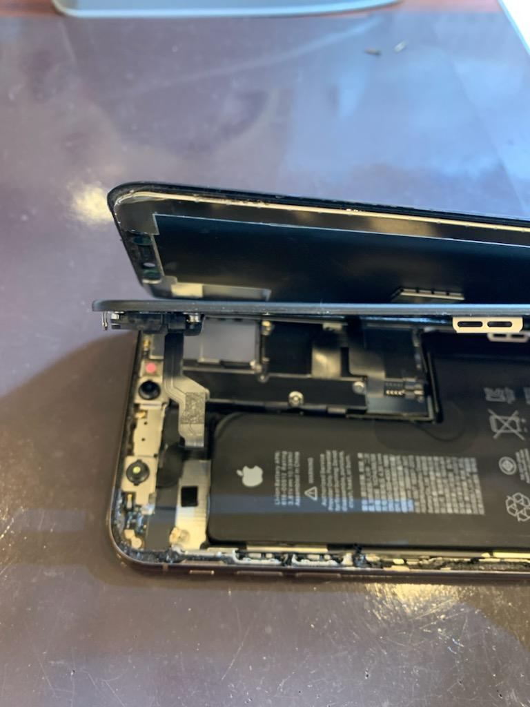 【iPhoneX画面修理】川西-画面パネルとフレームが分裂!?それでもお修理可能!ヒ